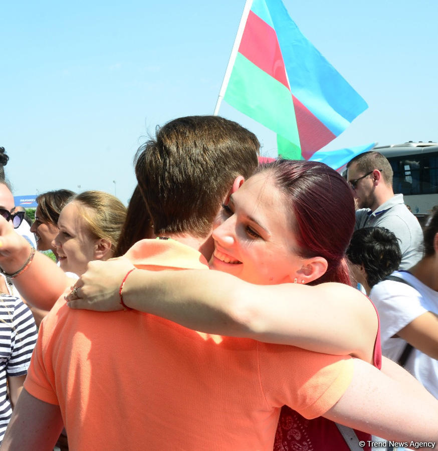 Victorious Azerbaijani gymnast returns home from FIG Championships in Moscow (PHOTO) - Gallery Image