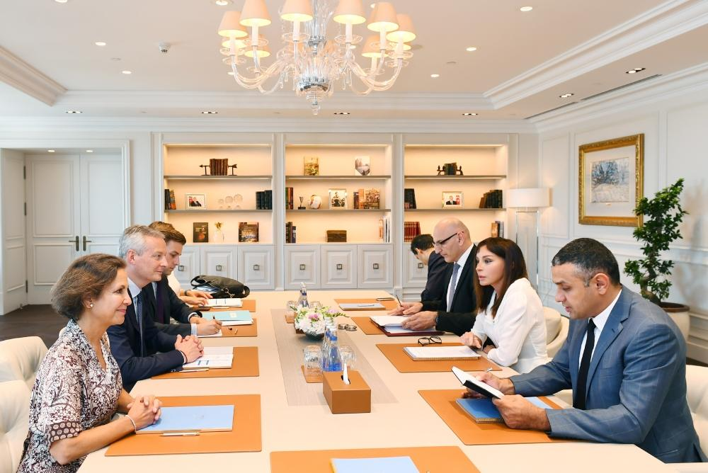 Azerbaijani first VP meets with French minister of economy and finance (PHOTO)