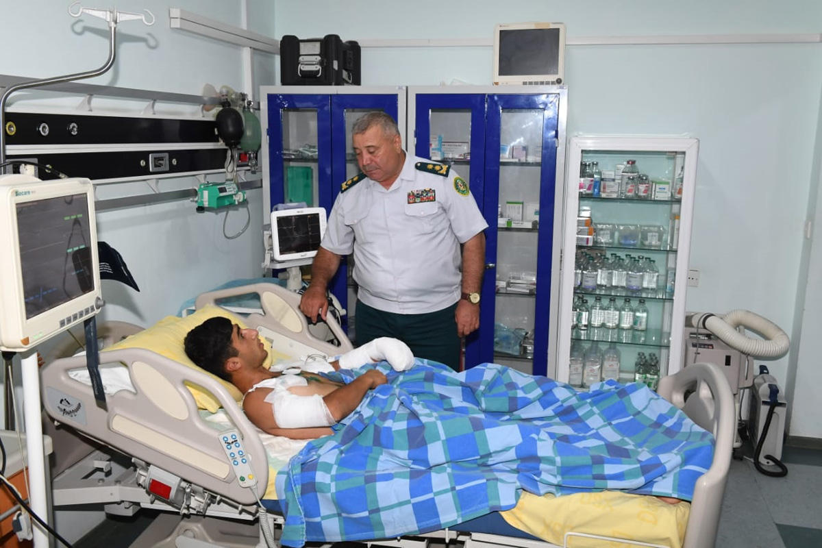 Wounded Azerbaijani border guard successfully operated on (PHOTO) - Gallery Image