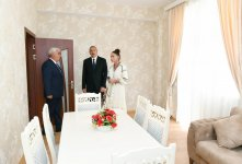 Azerbaijani president, first lady viewed apartments in new complex being constructed for inhabitants of unfit buildings in Pirallahi district (PHOTO) - Gallery Thumbnail