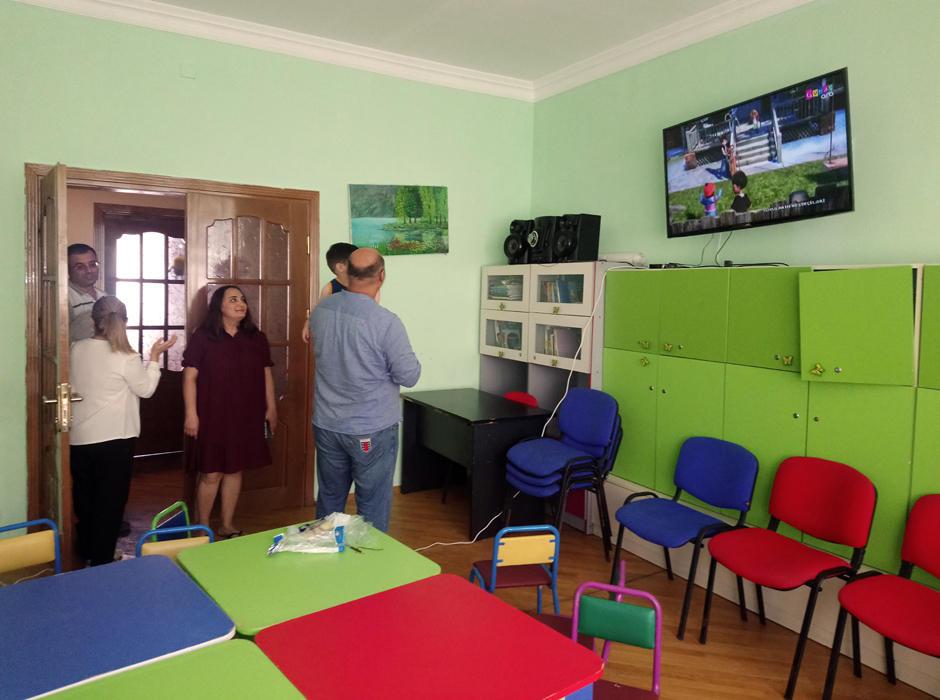 """""""Ailə TV"""" uşaqlar üçün xeyriyyə aksiyası keçirib (FOTO) - Gallery Image"""