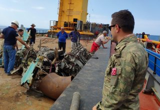 Fragments of crashed aircraft of Azerbaijan Air Force found in Caspian Sea