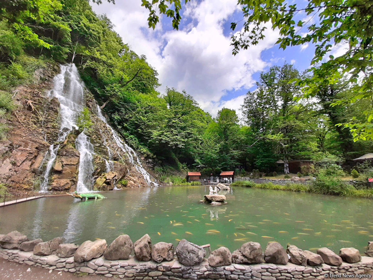 Magnificent beauty of Azerbaijan's Khalkhal waterfall (PHOTO) - Gallery Image