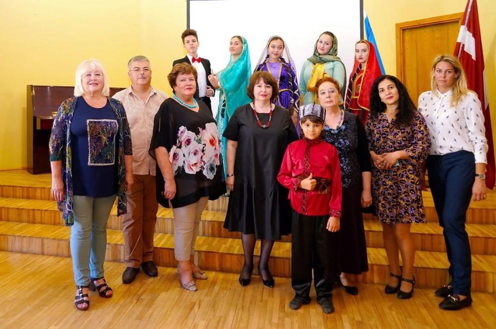 Рига-Стокгольм-Рига: представители Азербайджана участвуют в конкурсе на круизном лайнере (ФОТО) - Gallery Image