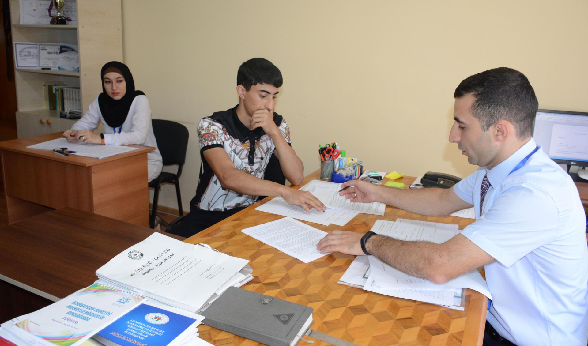Onlar yüksək balla Azərbaycan İlahiyyat İnstitutunu seçdilər (FOTO) - Gallery Image