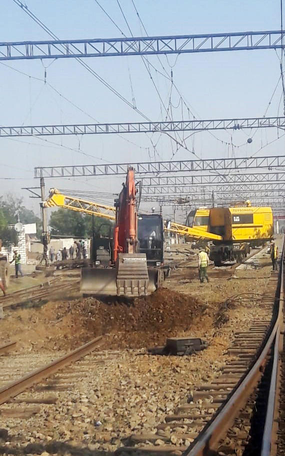 Installation of new railroad switches continues on Azerbaijani railways (PHOTO) - Gallery Image