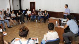 """Araşdırmaçı jurnalistlər üçün """"Təhlükəsiz tədqiqat"""" seminarı keçirilib (FOTO) - Gallery Thumbnail"""