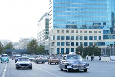 Vice President of Heydar Aliyev Foundation Leyla Aliyeva attends exhibition, parade of classic cars (PHOTO) - Gallery Thumbnail