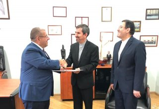 Newly appointed Consul General of Iran to Azerbaijan's Nakhchivan presents his credentials