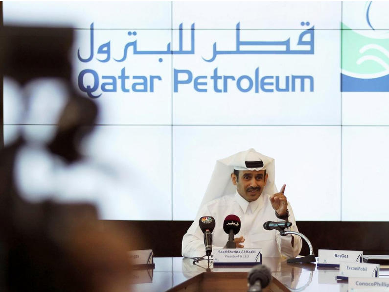 Oil giants shower Qatar with crown jewels in race for LNG prize