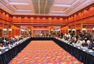 Round table discussions on political processes underway in Baku