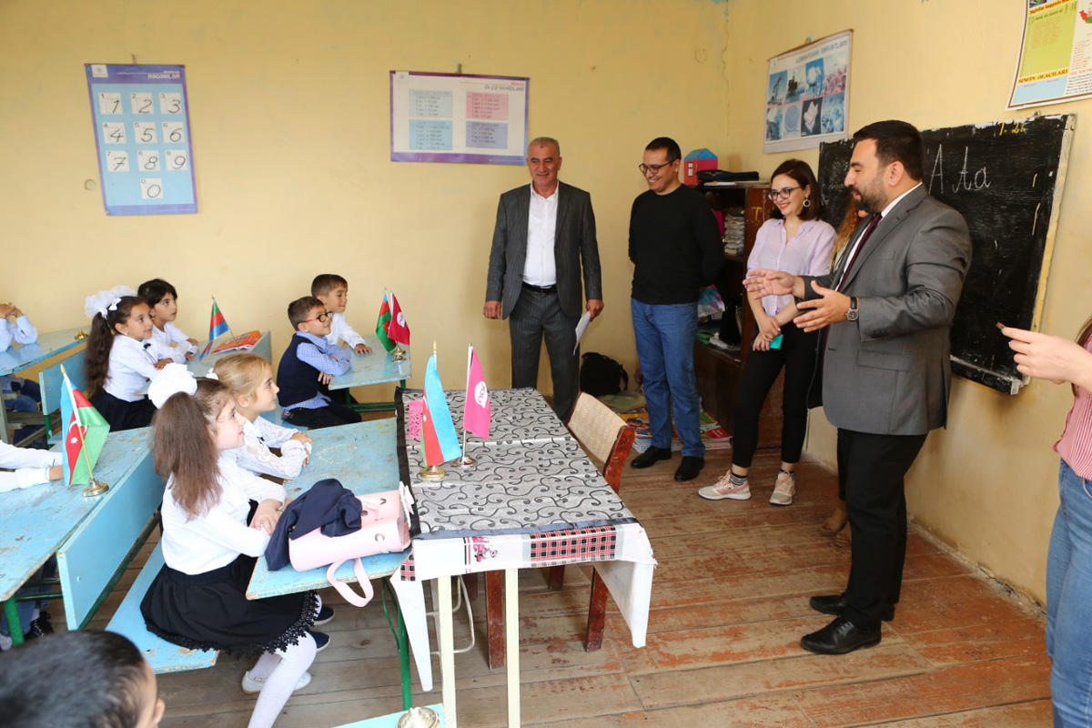 Nar makes surprise for schoolchildren on Knowledge Day (PHOTO) - Gallery Image