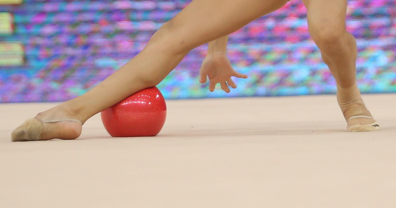 Dina Averina 1-st in ball exercises at Rhythmic Gymnastics World Championships in Baku