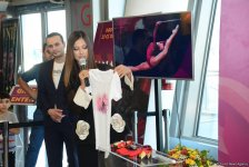 Gymnastic ribbon of Yana Batyrshina sold for 2,500 euros at auction in Baku (PHOTO) - Gallery Thumbnail