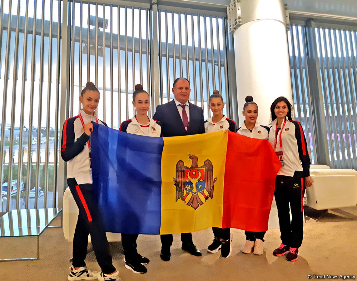 Moldovan ambassador to Azerbaijan meets athletes at the 37th Rhythmic Gymnastics World Championships (PHOTO)