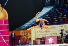Milli Gimnastika Arenasında bədii gimnastika üzrə dünya çempionatının çoxnövçülük üzrə finalı davam edir (FOTO) - Gallery Thumbnail