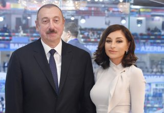 Azerbaijani president, first lady watching performance of Kharibulbul festival participants