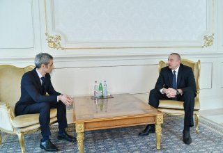President Ilham Aliyev receives credentials of incoming French ambassador (PHOTO)