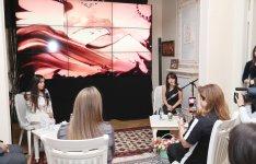 "Вице-президент Фонда Гейдара Алиева Лейла Алиева присутствовала на спектакле ""ЛЕЙЛА. FONS VITAE"" (ФОТО) (версия 2) - Gallery Thumbnail"