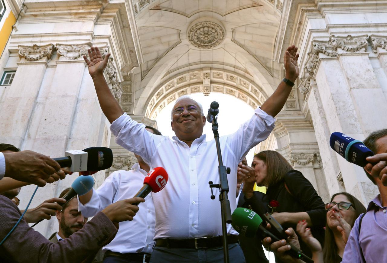 Portugal heads to polls, Socialists set to remain in power
