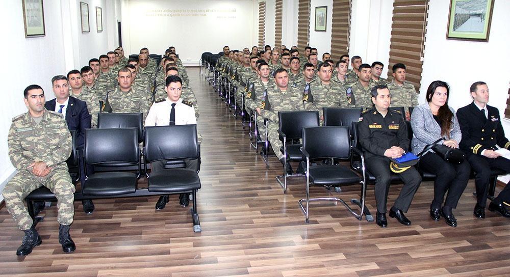 """Посол США встретился с азербайджанскими военнослужащими, участвовавшими в учениях """"Saber Junction - 19"""" (ФОТО) - Gallery Image"""