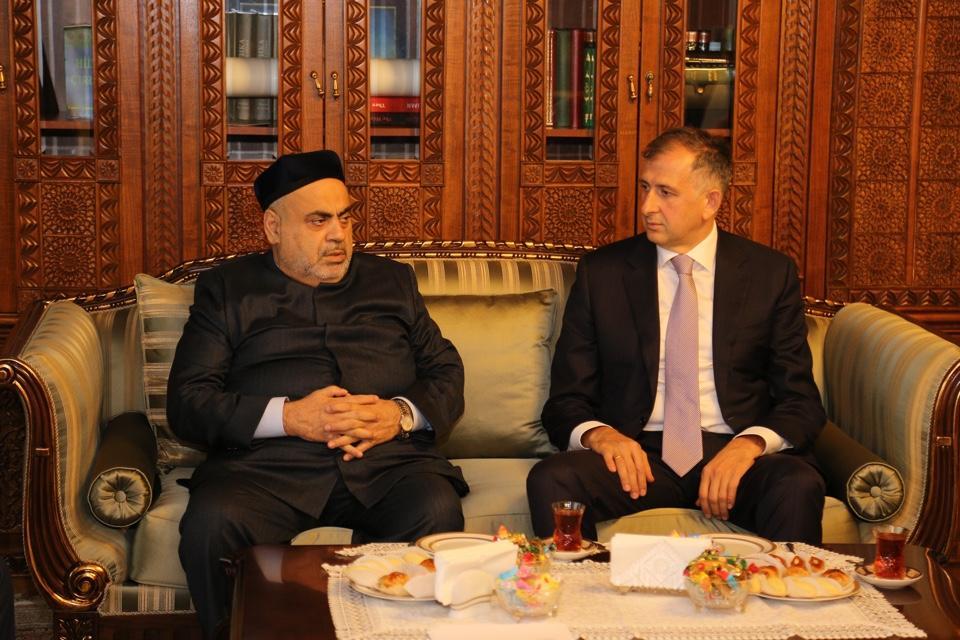 Аллахшукюр Пашазаде встретился с послом Грузии