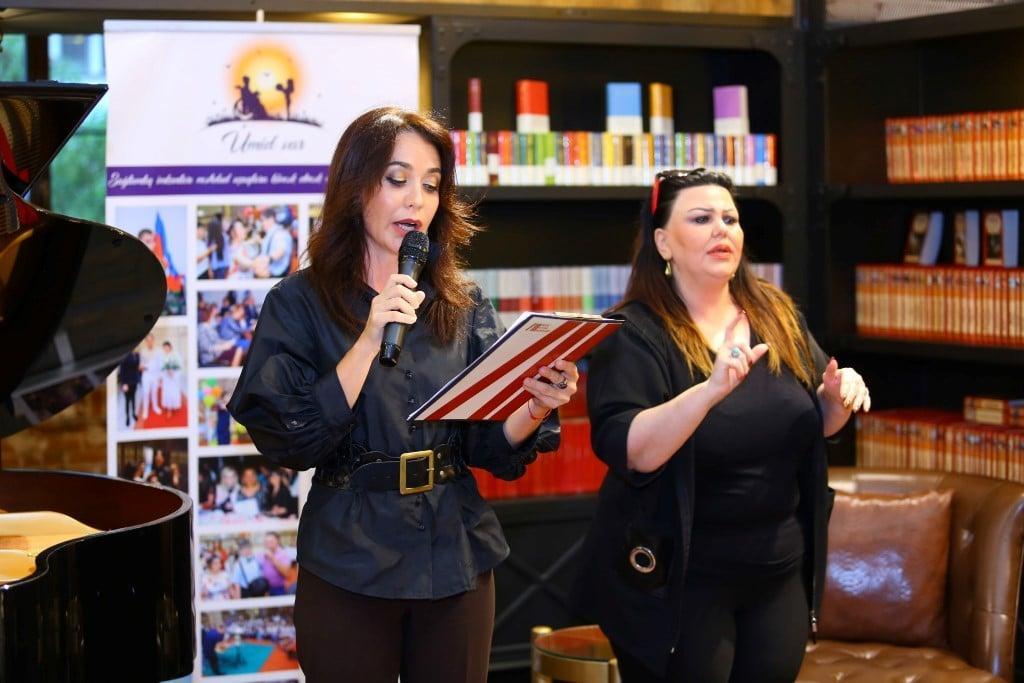Необычный вечер в Баку - гимн Азербайджана и поэзия на жестовом языке (ФОТО) - Gallery Image