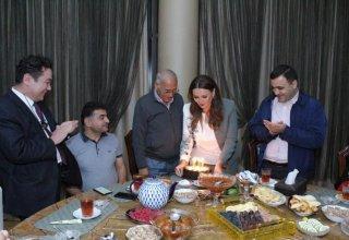 В Баку отметили юбилей узбекского литературоведа Бабахана Шарифа (ФОТО)