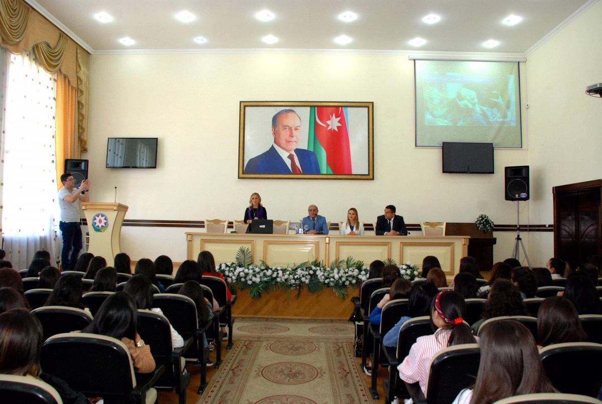 Azercell meets with students of regional universities (PHOTO)