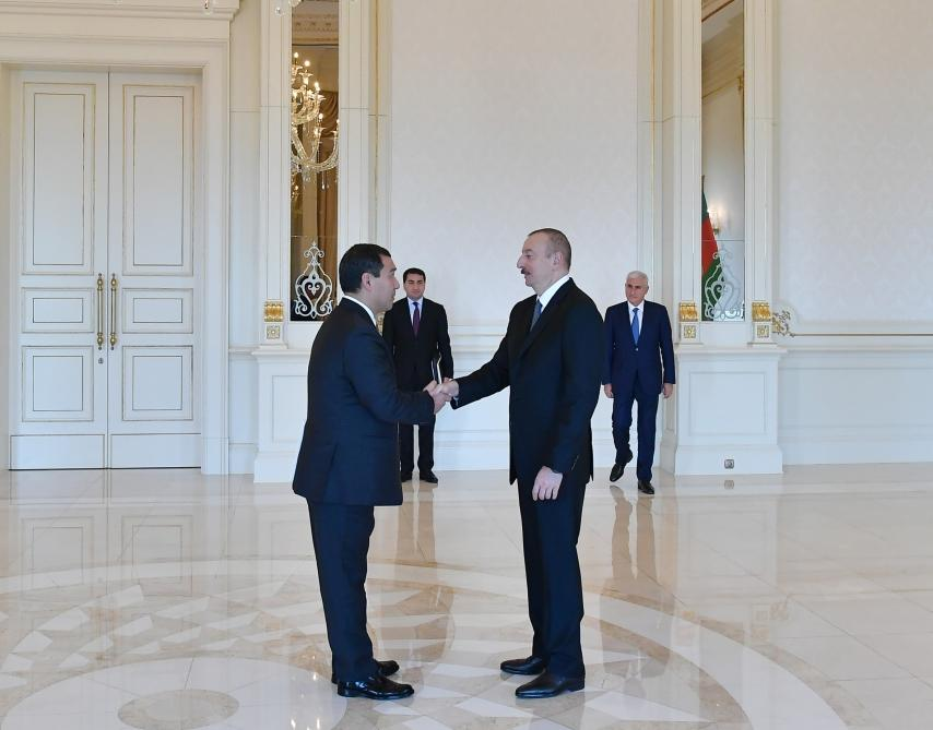President Ilham Aliyev receives credentials of incoming Kazakh ambassador (PHOTO) - Gallery Image