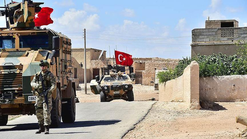Turkey, Russia hold first joint patrol in northeast Syria