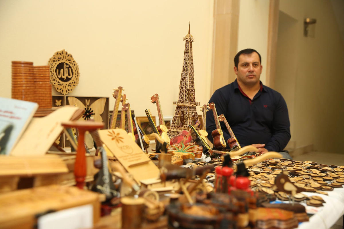 Azerbaijan's Agency for Development of SMEs supporting entrepreneurs in product sales (PHOTO) - Gallery Image