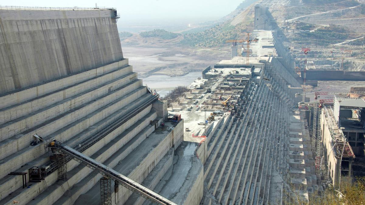 Egypt concerned about Ethiopian PM's alleged hint at military option on resolving Nile dam dispute