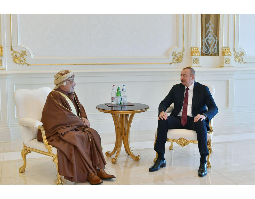President Ilham Aliyev receives delegation led by President of Oman State Council (PHOTO)