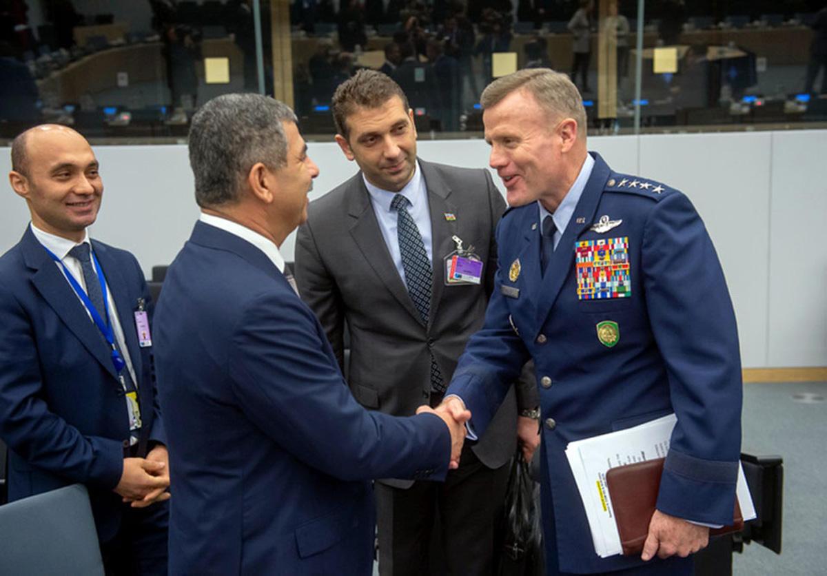 Müdafiə naziri NATO-nun toplantısında iştirak edib (FOTO) - Gallery Image