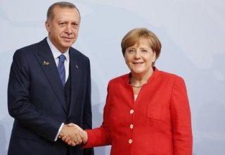 Turkish president, German chancellor discuss bilateral ties, regional issues