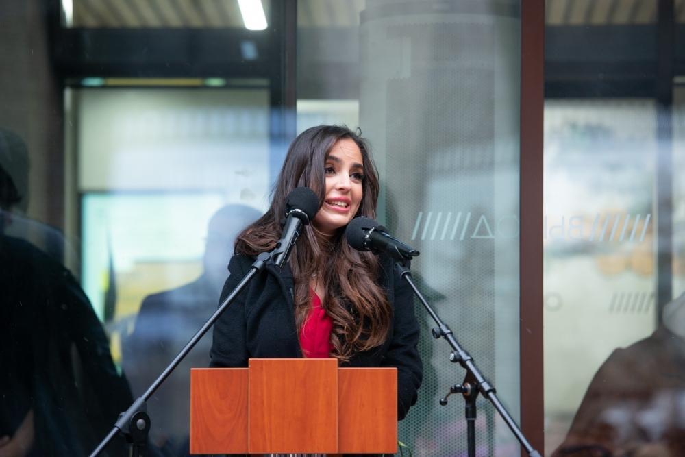 Heydər Əliyev Fondunun vitse-prezidenti Leyla Əliyeva Moskvada İmaməddin Nəsiminin heykəlinin açılışında iştirak edib (FOTO) - Gallery Image
