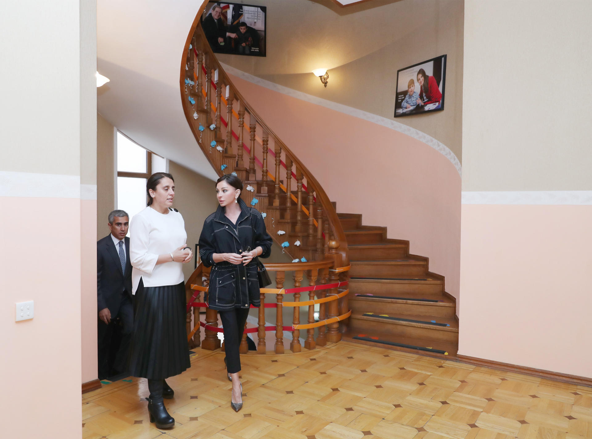 Azerbaijan's First VP visits Rehabilitation Center for children with autism (PHOTO) - Gallery Image