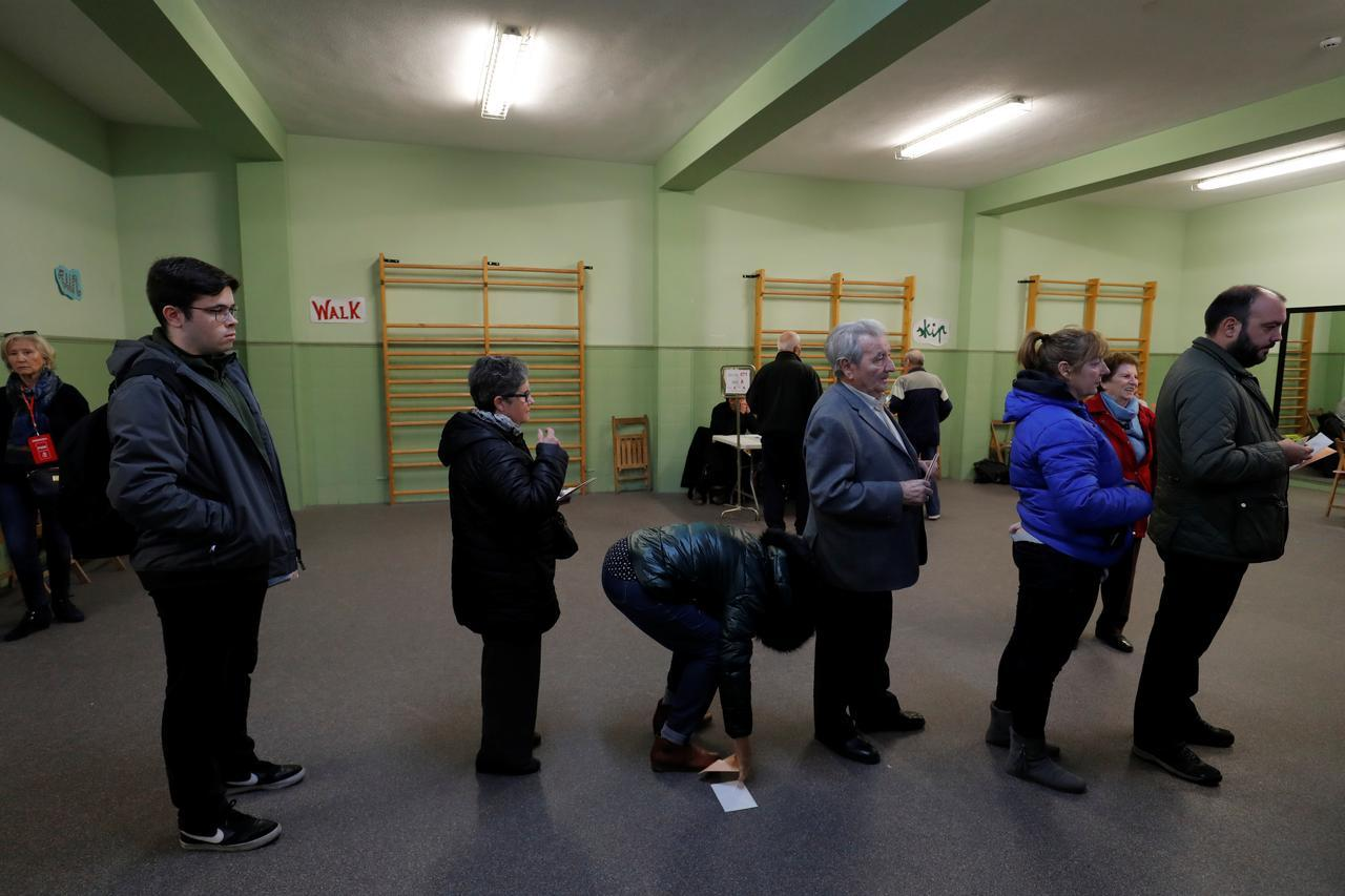Spanish voter turnout at 38% at 2 p.m., down from April election