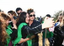 Azerbaijani president, first lady attend tree-planting campaign in Khatai district, Baku (PHOTO) - Gallery Thumbnail