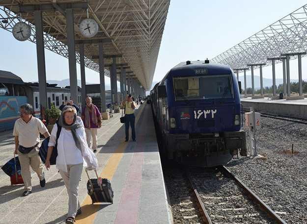 New generation rail stations to be built in Iran