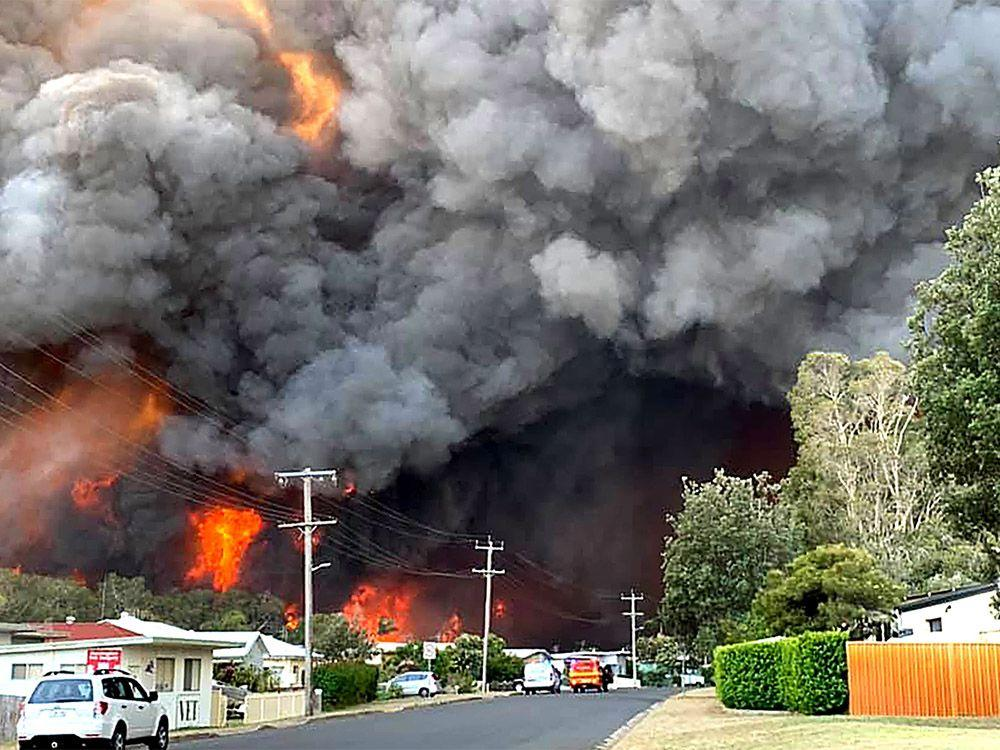 Australians ordered to evacuate as firefighters struggle to contain bushfires
