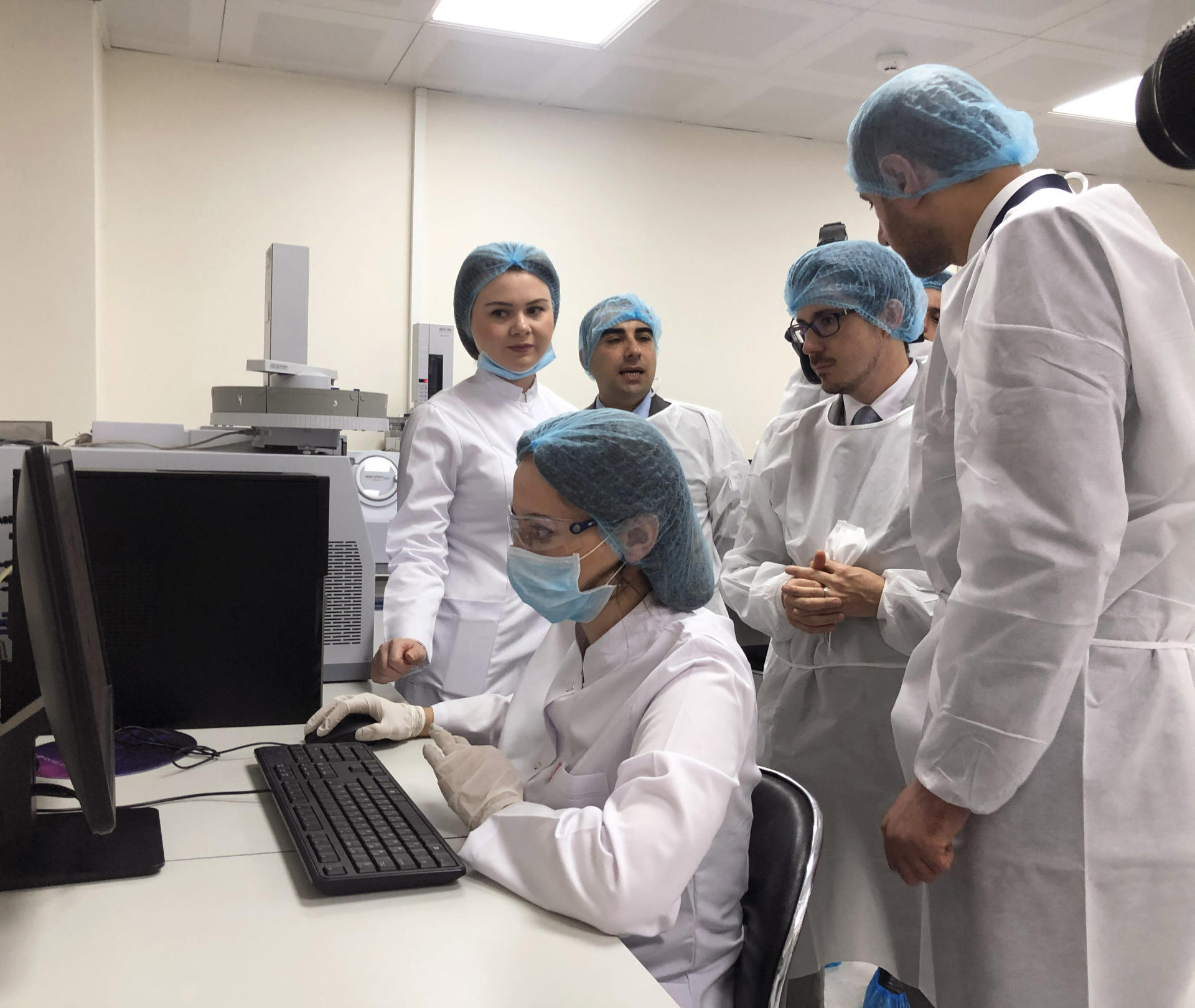 Azerbaijani State Agency on Mandatory Health Insurance implementing project for standardization of laboratories (PHOTO)