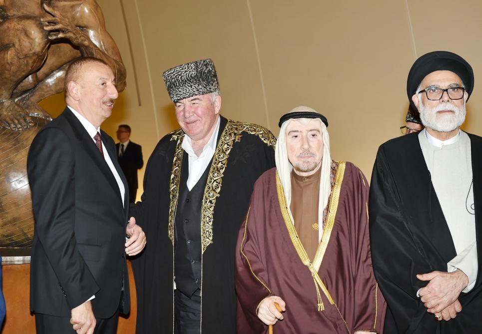 От имени Президента Азербайджана Ильхама Алиева был устроен прием в честь участников II Бакинского саммита религиозных лидеров мира (ФОТО) - Gallery Image