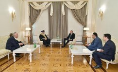 President Ilham Aliyev receives Sephardic Chief Rabbi of Jerusalem (PHOTO) - Gallery Thumbnail