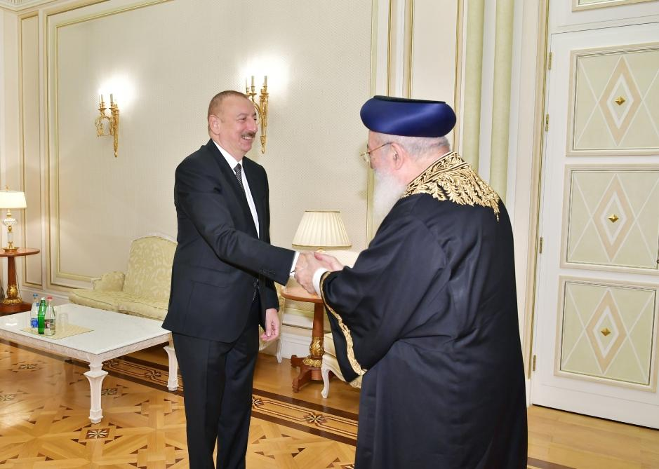 President Ilham Aliyev receives Sephardic Chief Rabbi of Jerusalem (PHOTO) - Gallery Image