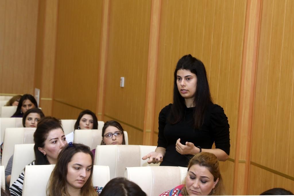 Binəqədi rayonunda əmək normalarına dair seminar keçirilib  (FOTO) - Gallery Image