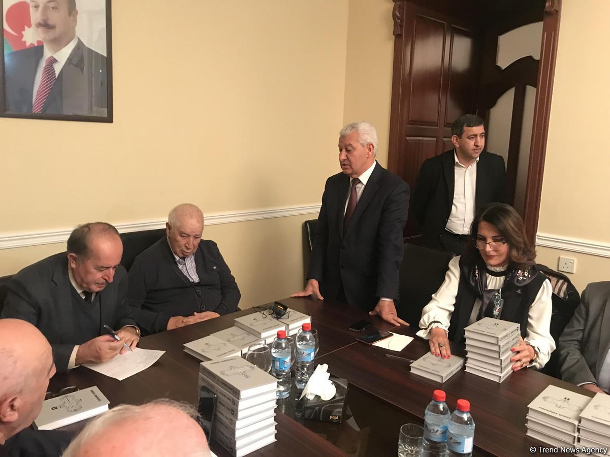 Şair, yazıçı-publisist, ictimai xadim Qənbər Şəmşiroğlunun çoxcildli kitablarının təqdimatı keçirilib (FOTO)