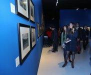 В Центре Гейдара Алиева открылась персональная выставка фотографа Якова Халипа (ФОТО) (версия 2) - Gallery Thumbnail