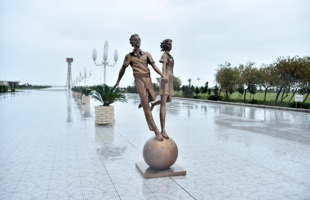 President Ilham Aliyev views conditions created at newly built part of Sumgayit Boulevard Complex (PHOTO) - Gallery Image